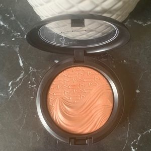 ❤️MAC Extra Dimension Skinfinish Fairly Precious